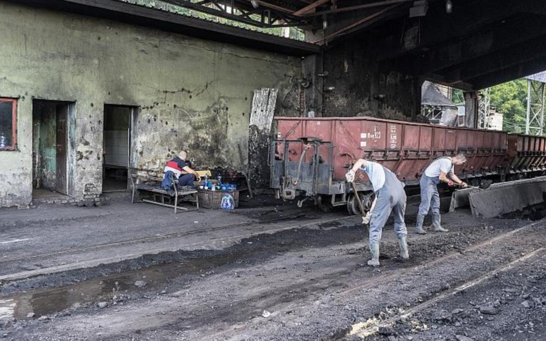 Bósnia: exploração carvão gera poluição, doenças e mortes