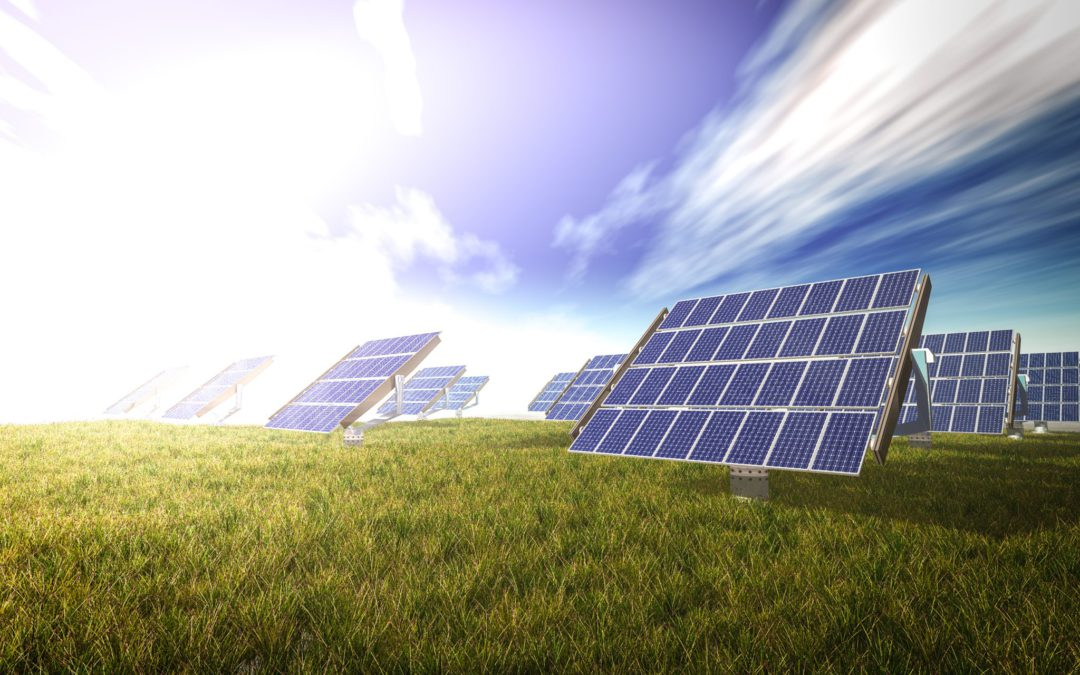 Escassez nos reservatórios e maior consumo de eletricidade ampliam importância da energia solar ao Brasil, aponta ABSOLAR