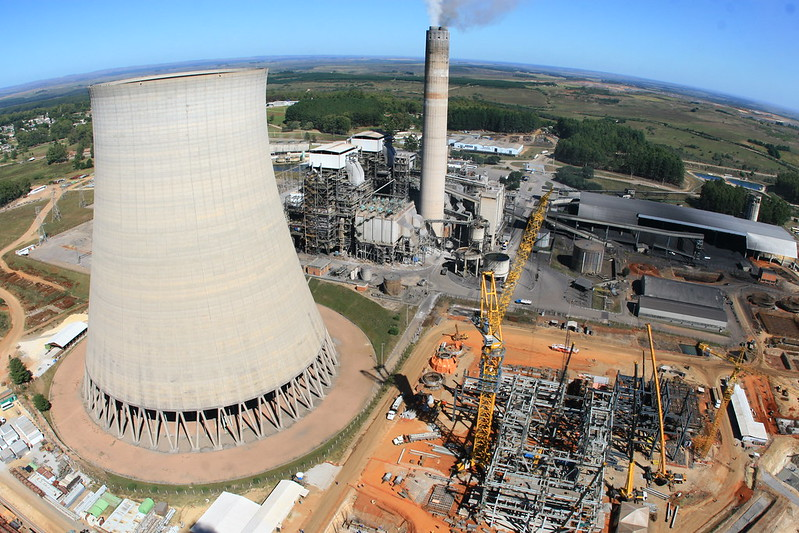 Térmicas movidas a combustíveis fósseis são as novas vilãs da energia cara e da crise hídrica